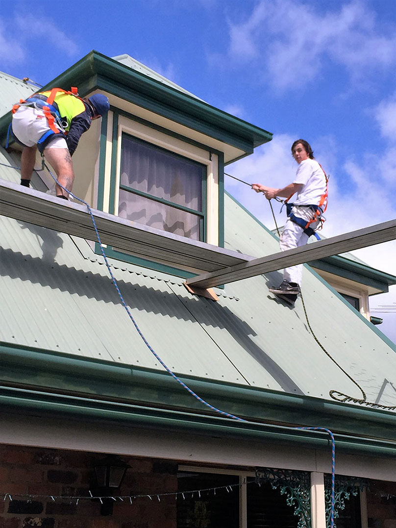 Roof painting specialists launceston
